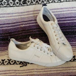 Women's Tommy Hilfiger Lelita sneakers size 10